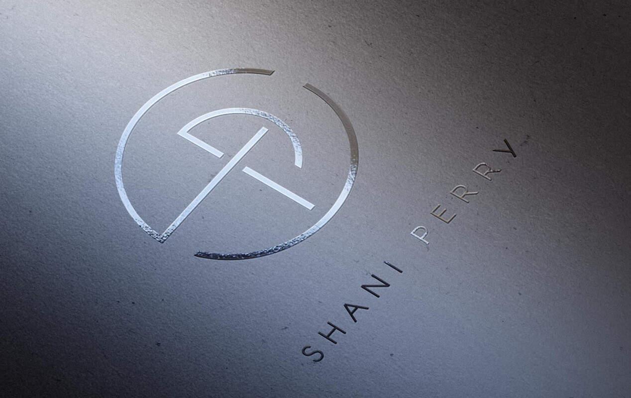 עיצוב לוגו עבור האדריכלית ש י פרי
